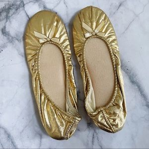 Vintage gold R.G. Barry Corp Bow Slippers 8-9
